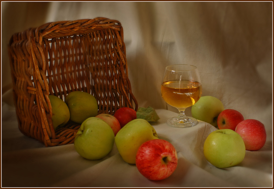 "photo ""Apple juice, help yourself!"" tags: still life,"