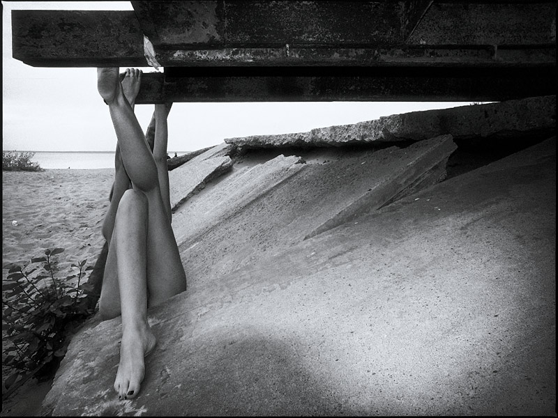 "photo ""Leg Construction"" tags: nude, black&white,"