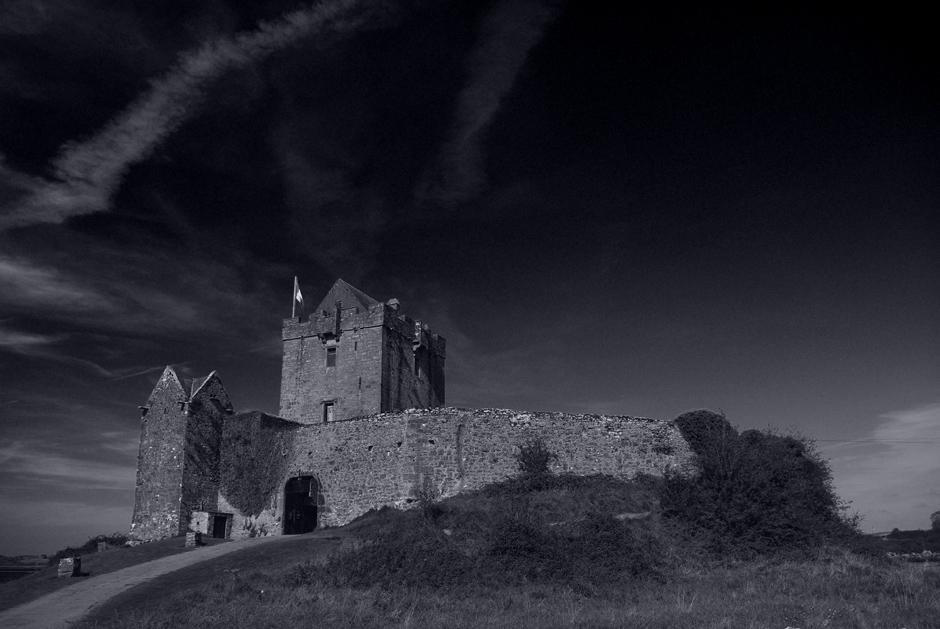 "photo ""Dunguaire Castle in Kinvara"" tags: architecture, landscape,"