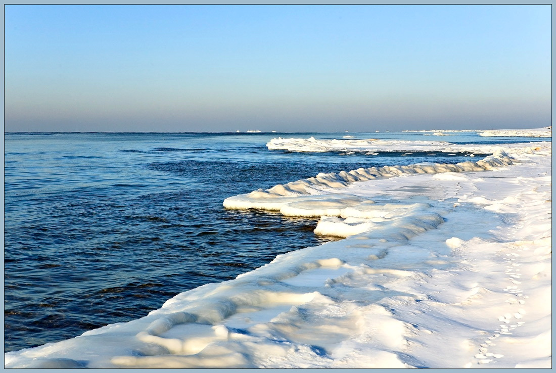 """photo """"The sea wishes to freeze"""" tags: landscape, water, winter"""