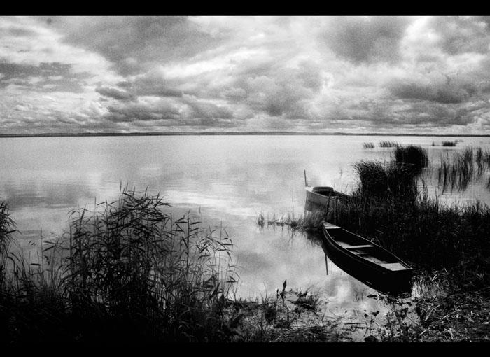 "photo ""***"" tags: black&white, landscape, water"
