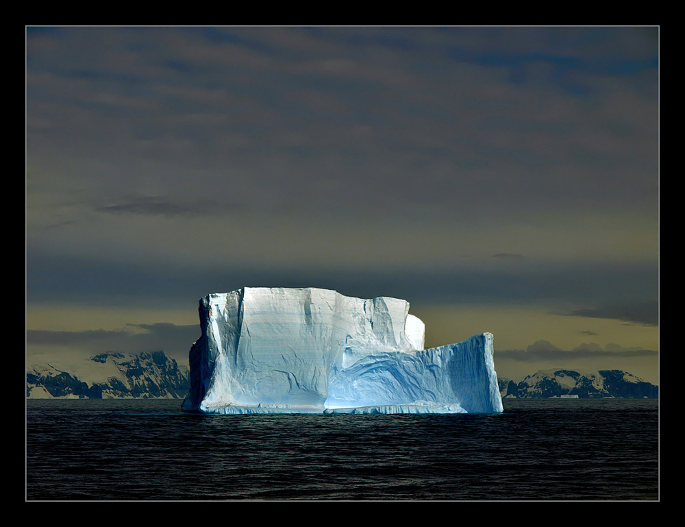 "photo ""Iceberg"" tags: landscape, travel, South America, water"
