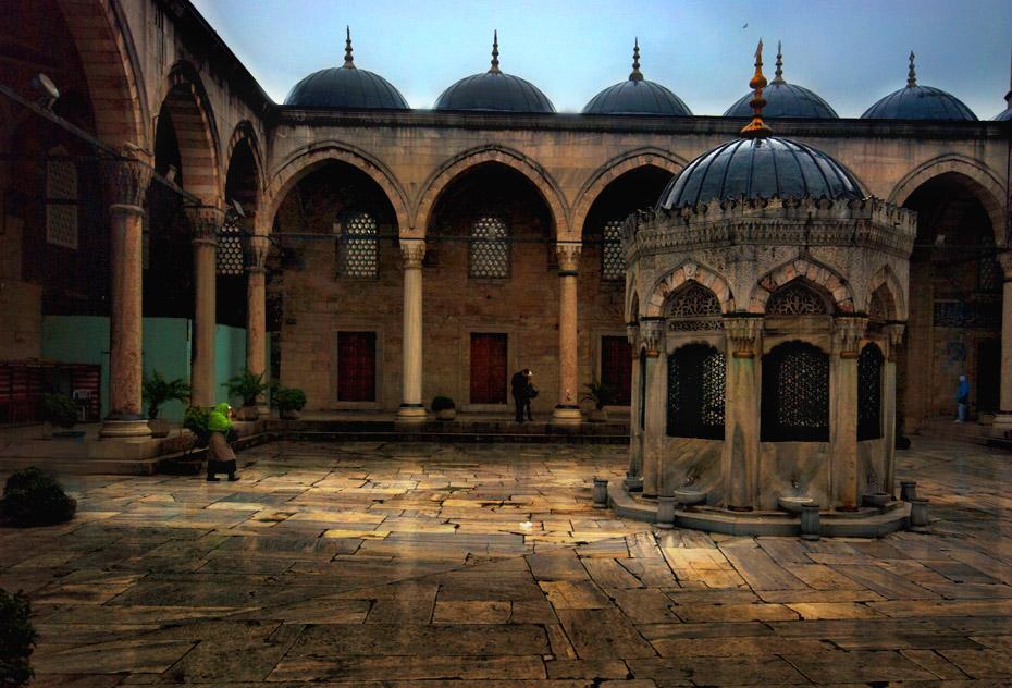 "photo ""mosque yard"" tags: architecture, city, landscape,"