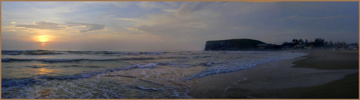 "photo ""Torres, sunrise"" tags: landscape, sunset, water"
