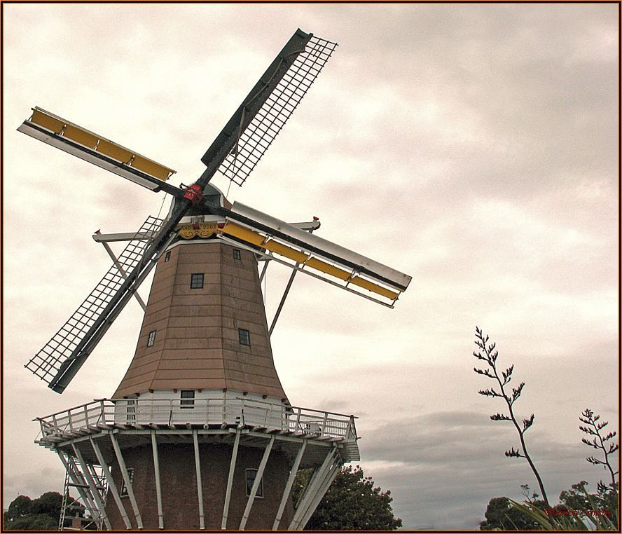 "photo ""Windmill"" tags: architecture, landscape, clouds"