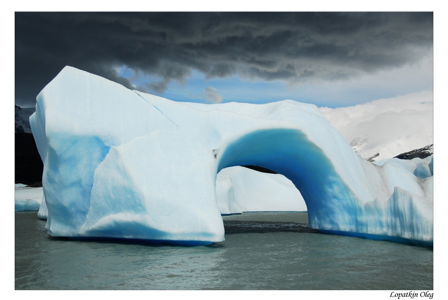 "photo ""Iceberg on Argentino lake"" tags: landscape, travel, South America"