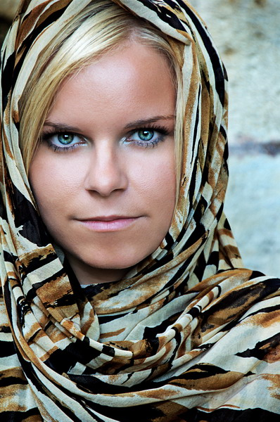 "photo ""Desert Tears"" tags: portrait, woman"