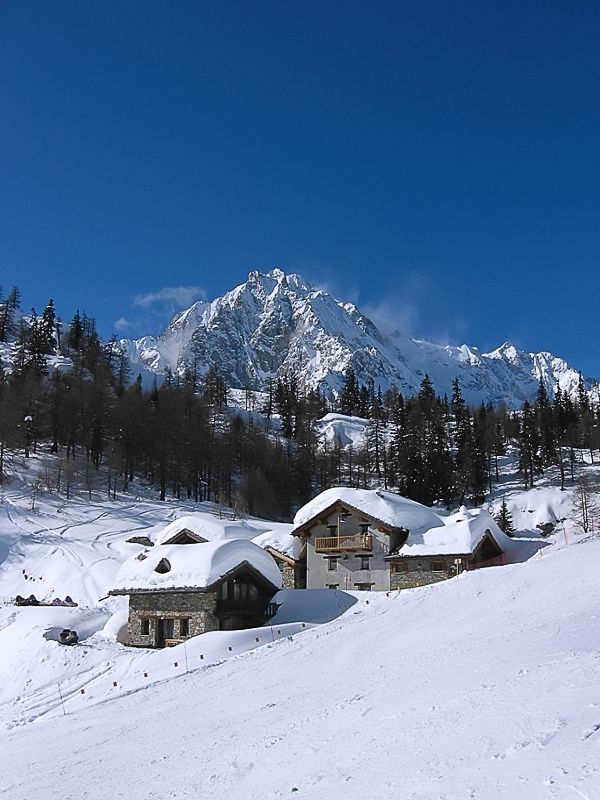 "photo ""Italian Alpes. Courmayeur"" tags: landscape, Europe, mountains, rocks, snow, winter"