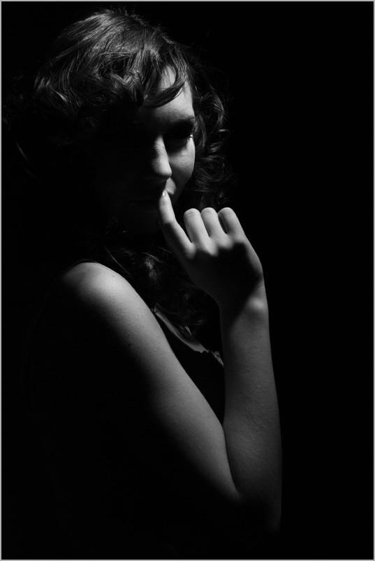 "фото ""тайна"" метки: черно-белые, жанр,"