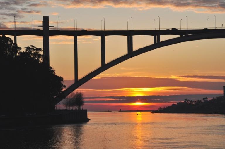 """photo """"OPORTO SUNSET"""" tags: landscape, travel, Europe, sunset"""