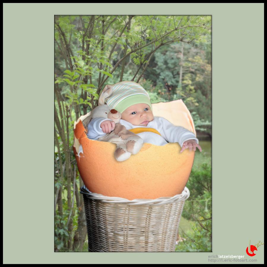 "photo ""fresh egg"" tags: portrait, montage, children"