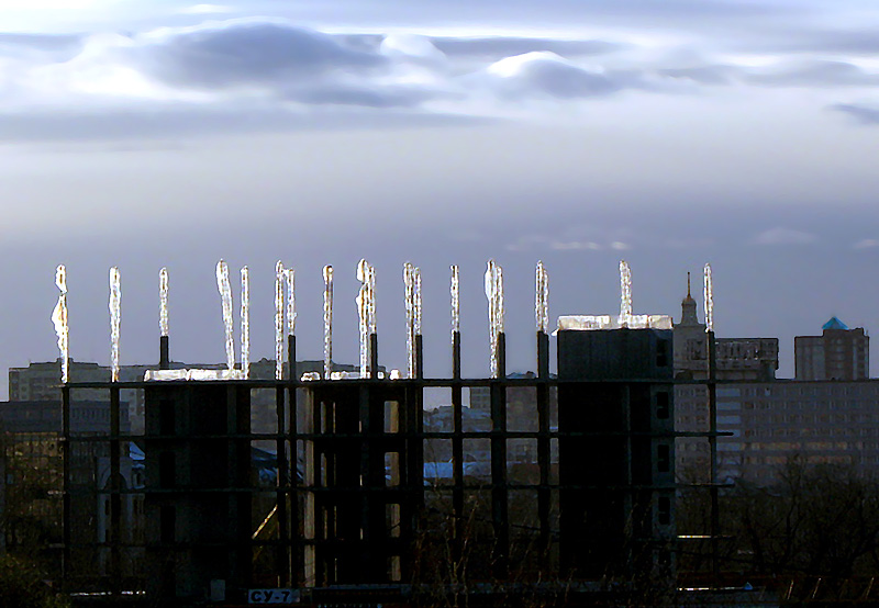 "photo ""Frozen building"" tags: city,"