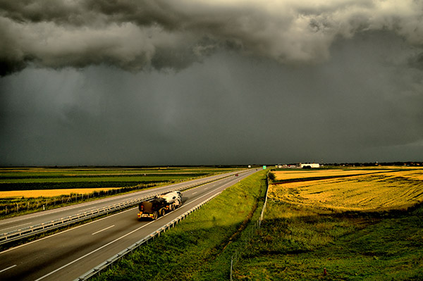 "photo ""Highway to hell"" tags: landscape, clouds"