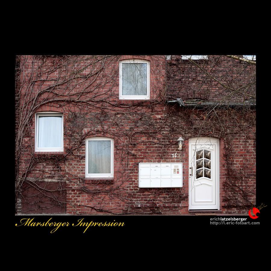 "photo ""idiosyncratic architecture"" tags: architecture, travel, landscape, Europe"