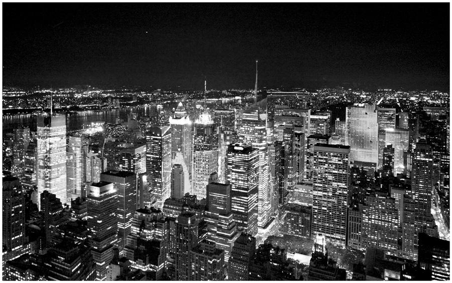 "photo ""Big City Lights"" tags: city, black&white,"