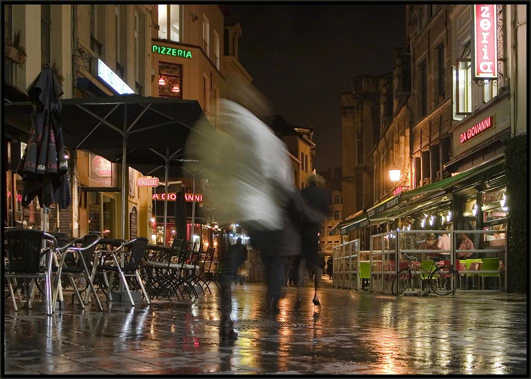 "photo ""Random Strangers"" tags: city, landscape, night"