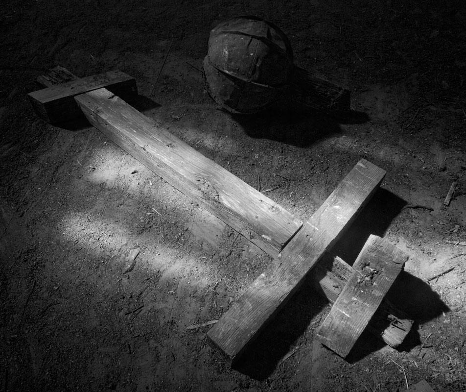 """photo """"Resurection"""" tags: fragment, black&white,"""