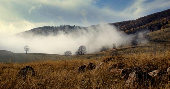"""photo """"invasion"""" tags: landscape, autumn, clouds"""
