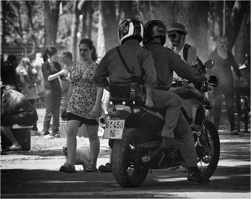 """photo """"About the police and the lady with the dog"""" tags: genre, black&white,"""