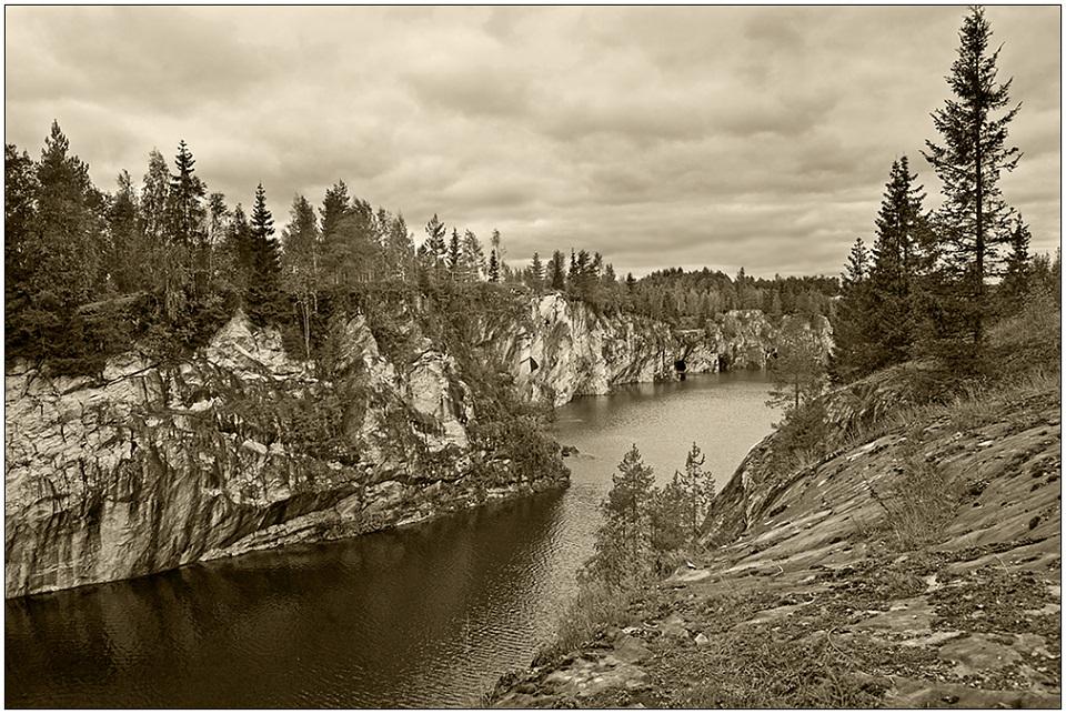 "photo ""Ruskeala in sepia"" tags: black&white, travel, Europe"