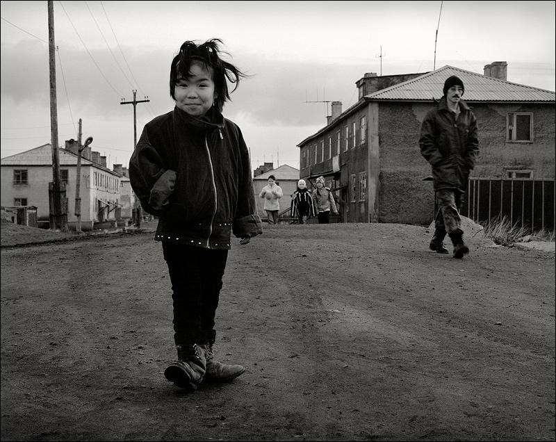 "photo ""Pending girlfriends"" tags: portrait, travel, Asia"