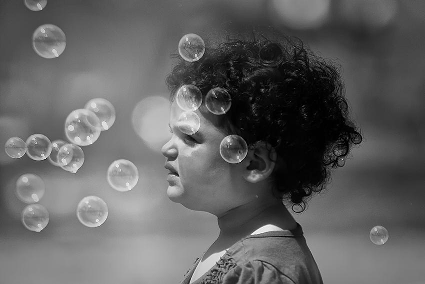 "photo ""About a girl EMO and bubbles"" tags: genre, portrait, children"
