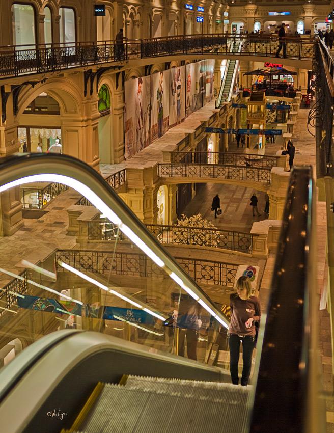 """photo """"GUM's Lines"""" tags: architecture, city, landscape,"""
