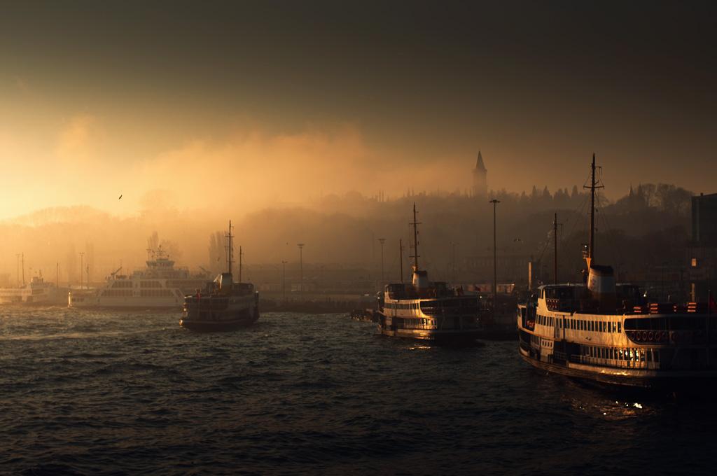 "photo ""fogy istanbul"" tags: landscape, city, sunset"