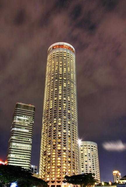 "photo ""Singapore Tower"" tags: landscape, night"
