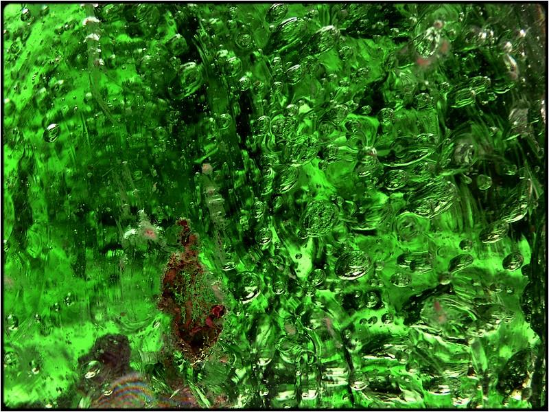 "photo ""green bubbles"" tags: abstract, macro and close-up,"