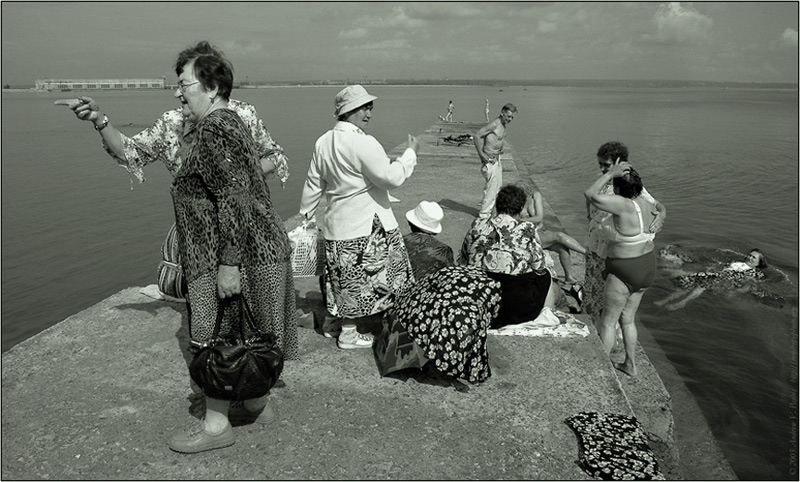 "photo ""Bathers Retirees"" tags: genre, black&white,"