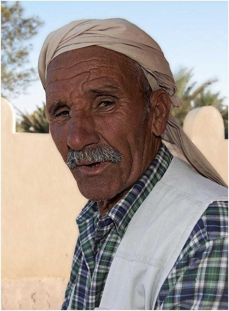 "photo ""Tunisian Man"" tags: portrait, man"