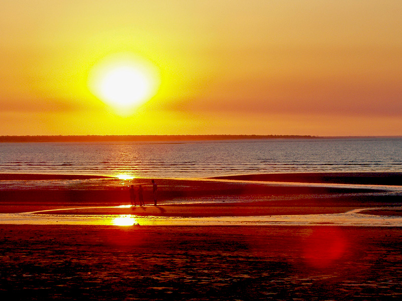 "photo ""Reflection on the beach"" tags: landscape, sunset"