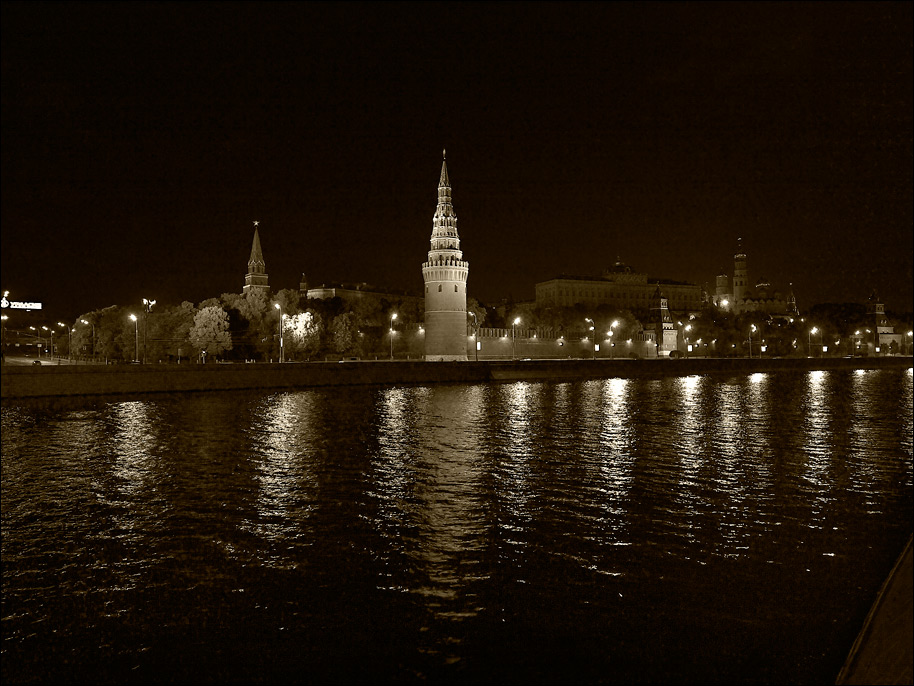 "photo ""Night Kremlin"" tags: ,"