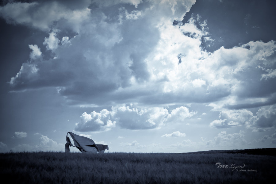 "photo ""Going to the air"" tags: portrait, landscape, clouds, woman"