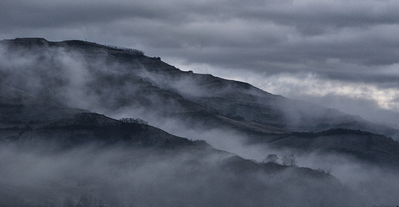 "photo ""The mist"" tags: landscape, clouds, water"
