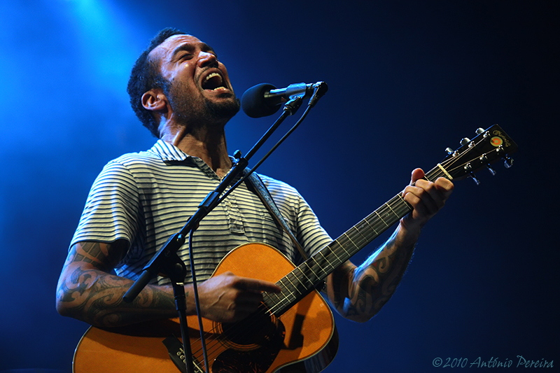 "photo ""Ben Harper Gaia Portugal"" tags: reporting,"