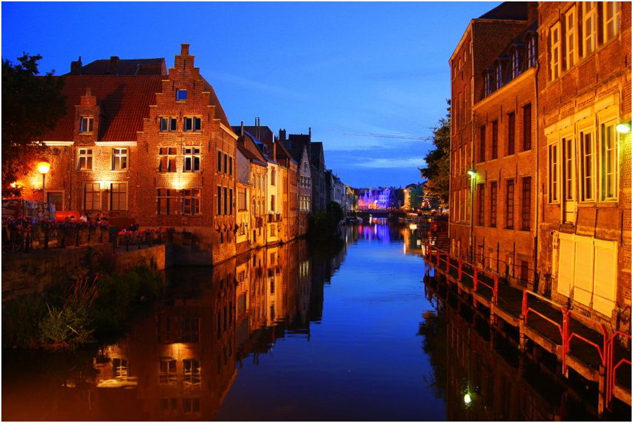 "photo ""Gent-Belgium"" tags: architecture, landscape, water"