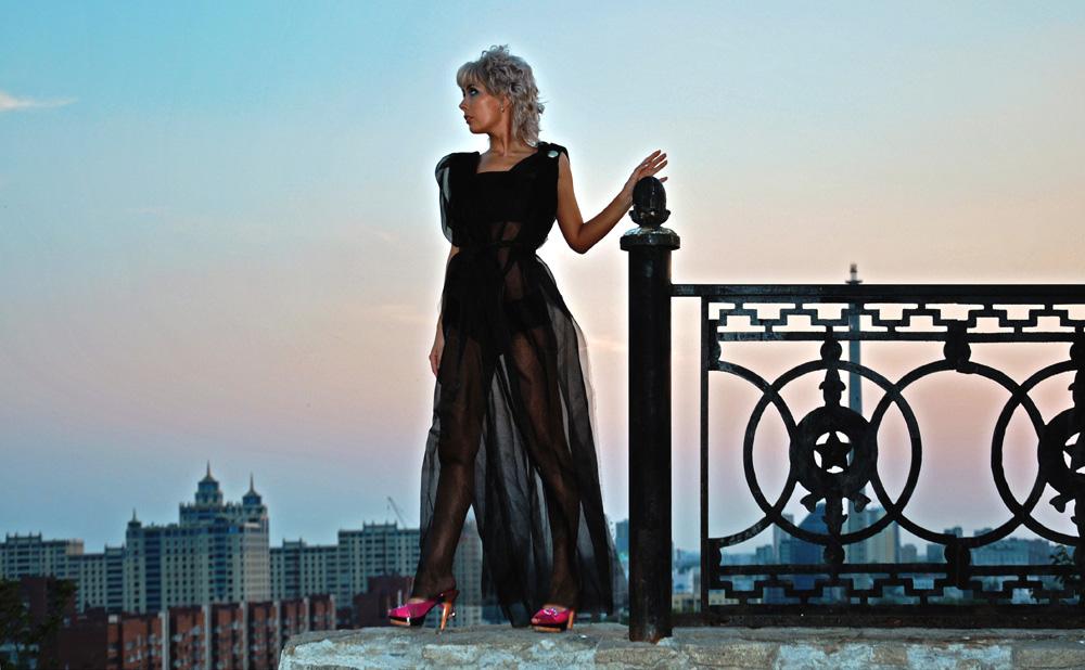 "фото ""Шаг на закате"" метки: портрет, пейзаж, женщина, закат"