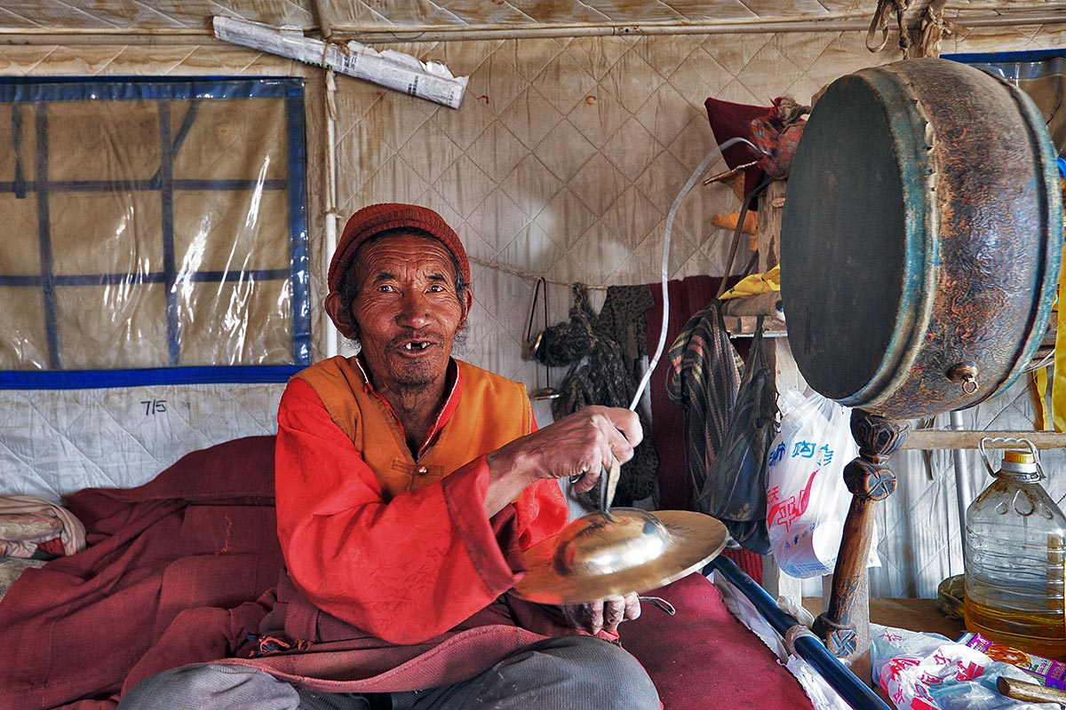 "фото ""В храме-палатке"" метки: жанр, путешествия, Азия"