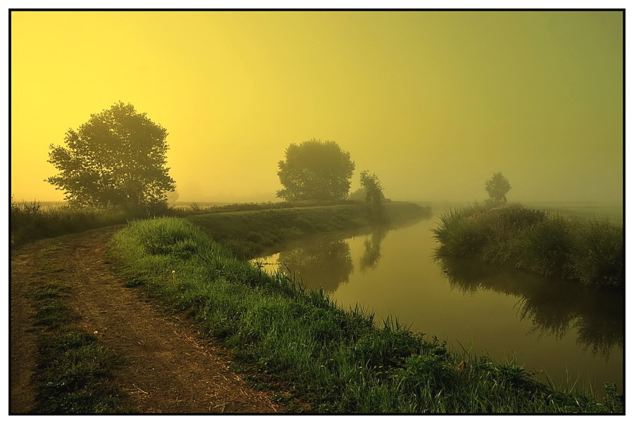 "photo ""sunrise in the fog."" tags: landscape, sunset"