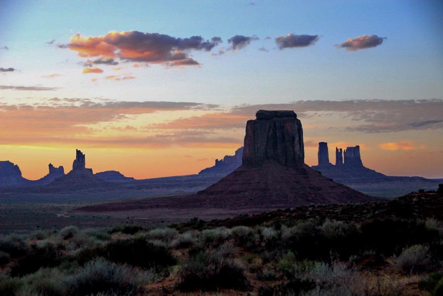 "фото ""sunset over Monument Valey"" метки: пейзаж,"