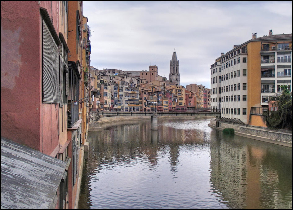 "photo ""Spain. Gerona."" tags: architecture, city, landscape,"