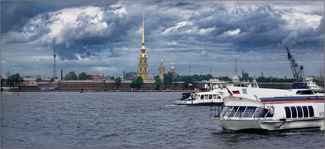 """фото """"Петропавловская крепость"""" метки: пейзаж, город, облака"""