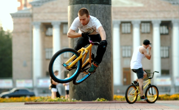 "фото ""Родео с диким велосипедом."" метки: жанр, юмор,"
