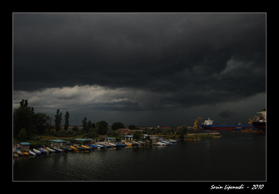 "photo ""storm"" tags: travel, Europe"