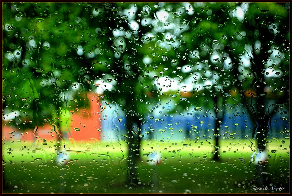 "photo ""rain on the window"" tags: landscape, still life, water"