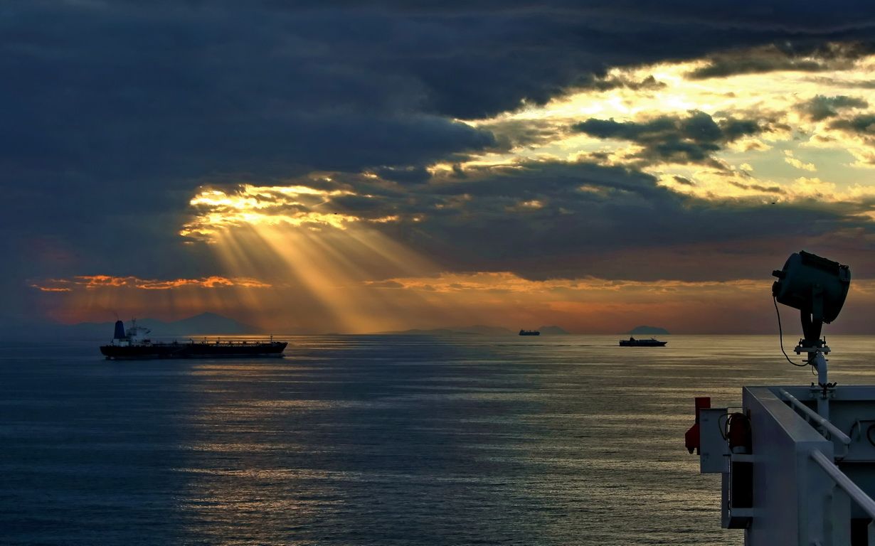 "фото ""Утро на рейде Пирея"" метки: пейзаж, закат"