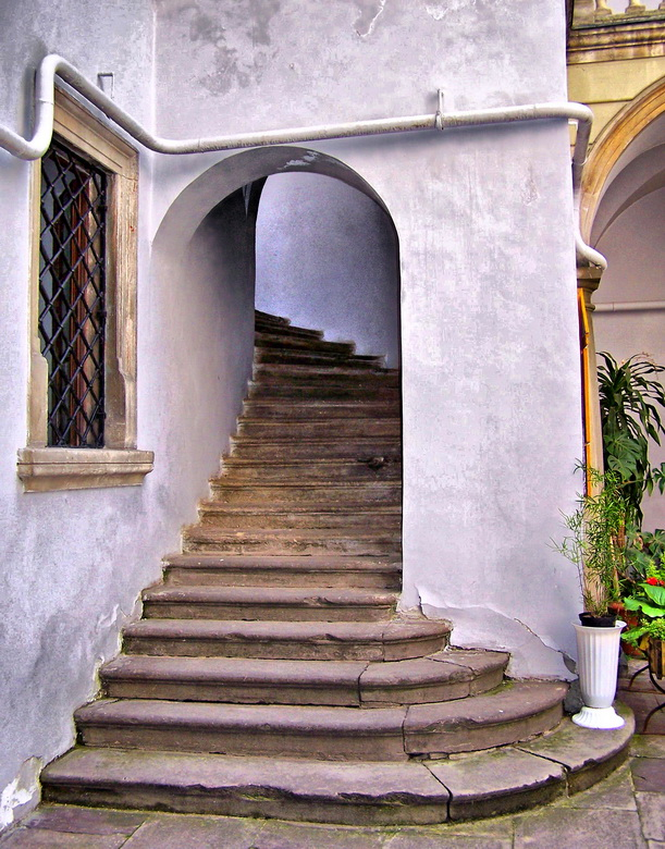 """фото """"Львов. Лестница в итальянском дворике"""" метки: город, интерьер,"""