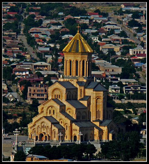 "фото ""Sameba Cathedral Tbilisi Georgia"" метки: архитектура, путешествия, пейзаж, Европа"